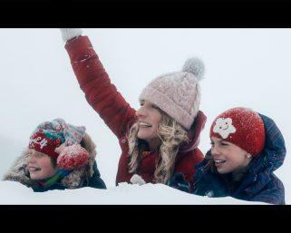 Ženská na vrchole – nová zimná komédia na špici rebríčka návštevnosti